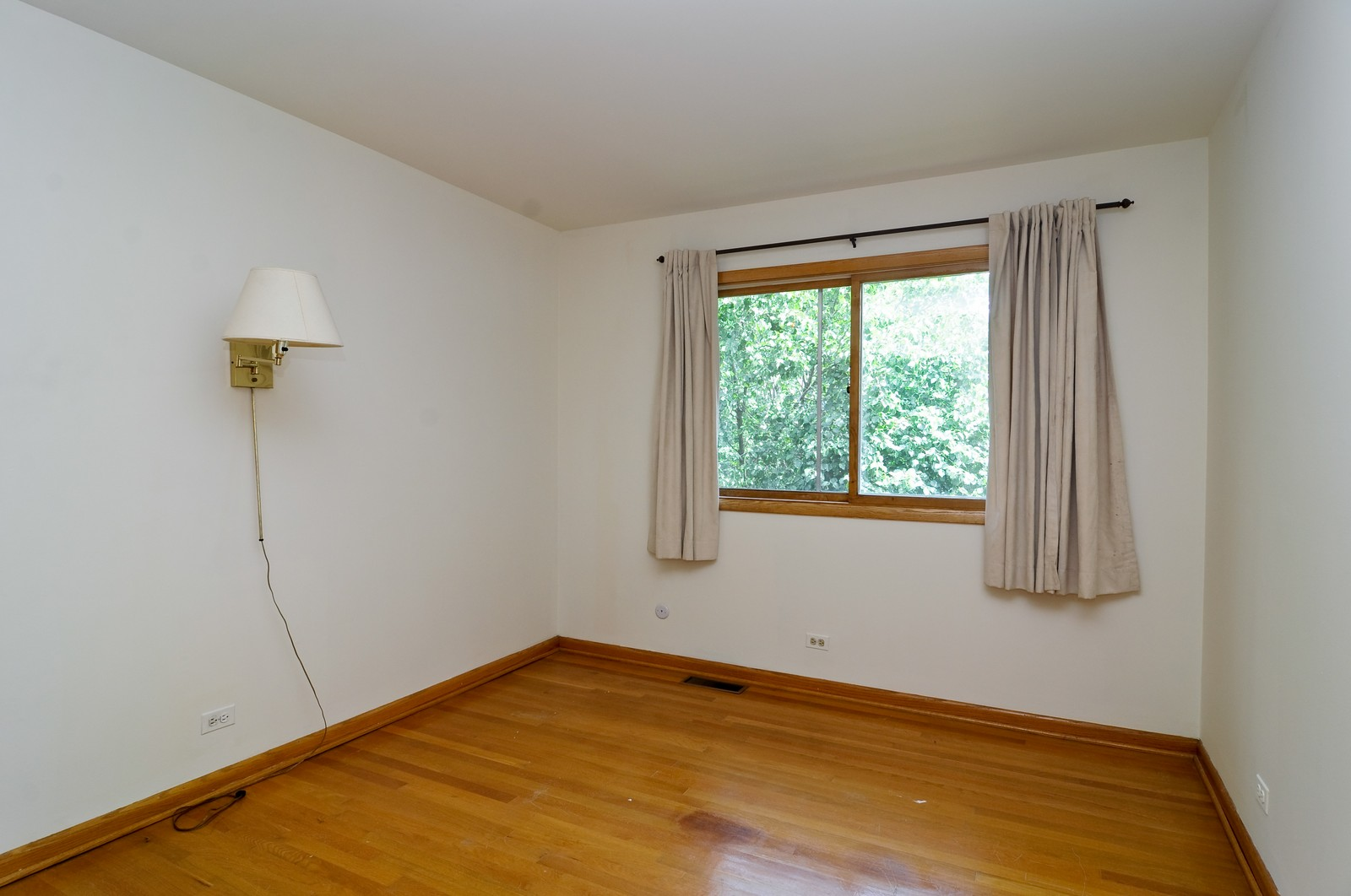 Real Estate Photography - 232 George St, Barrington, IL, 60010 - 2nd Bedroom