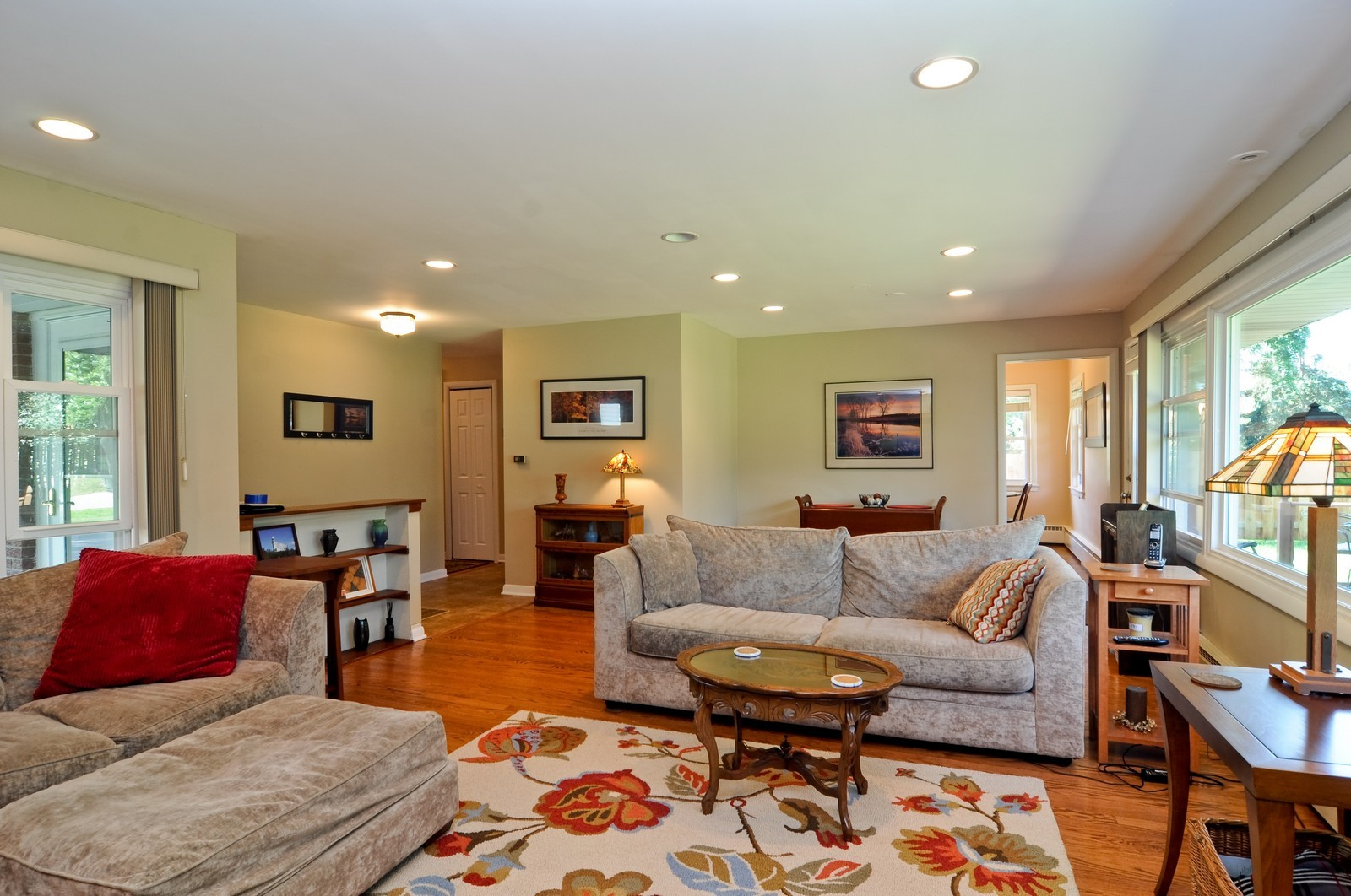 Real Estate Photography - 240 Sharon Dr, Barrington, IL, 60010 - Location 2