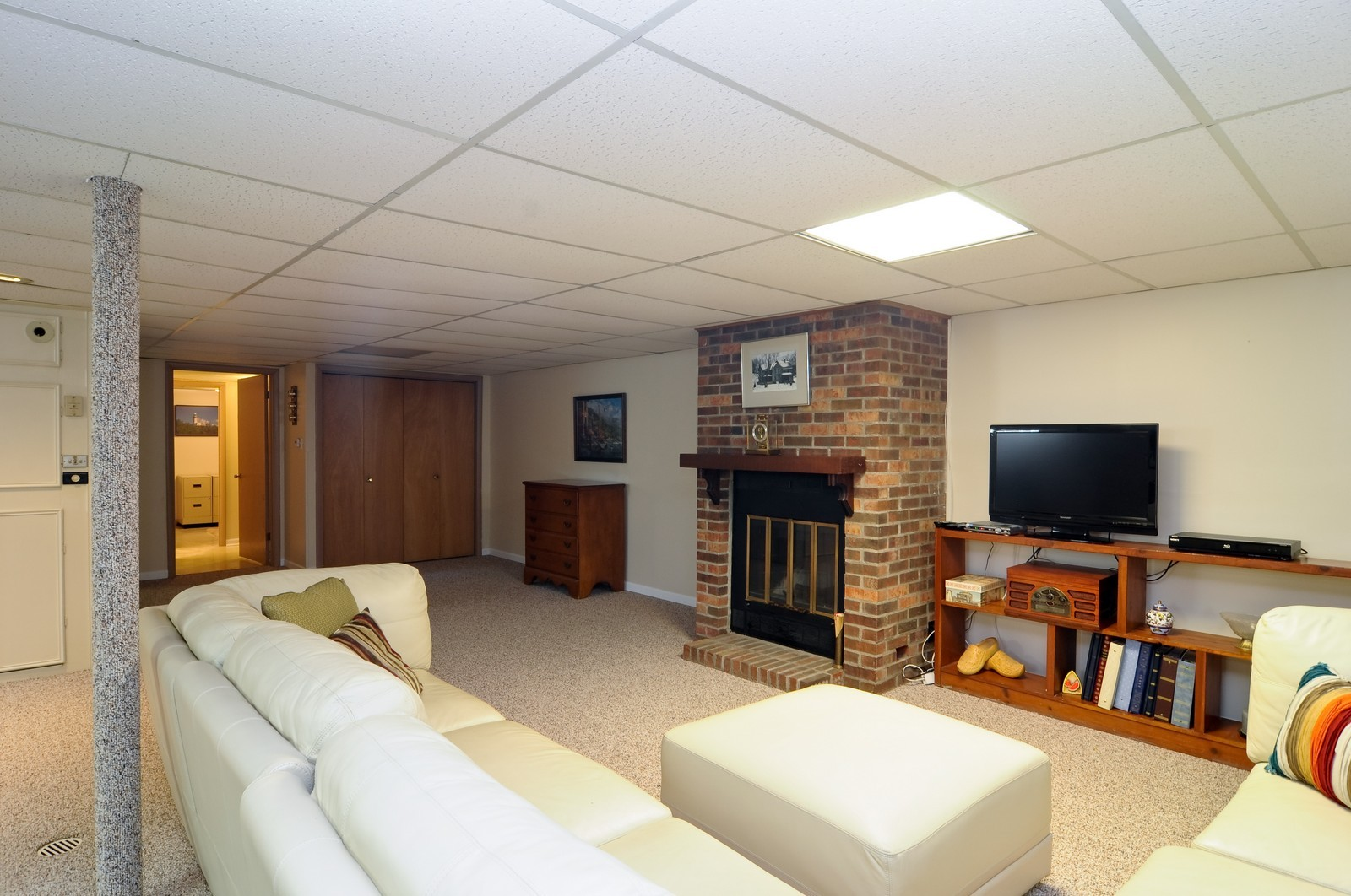 Real Estate Photography - 240 Sharon Dr, Barrington, IL, 60010 - Lower Level