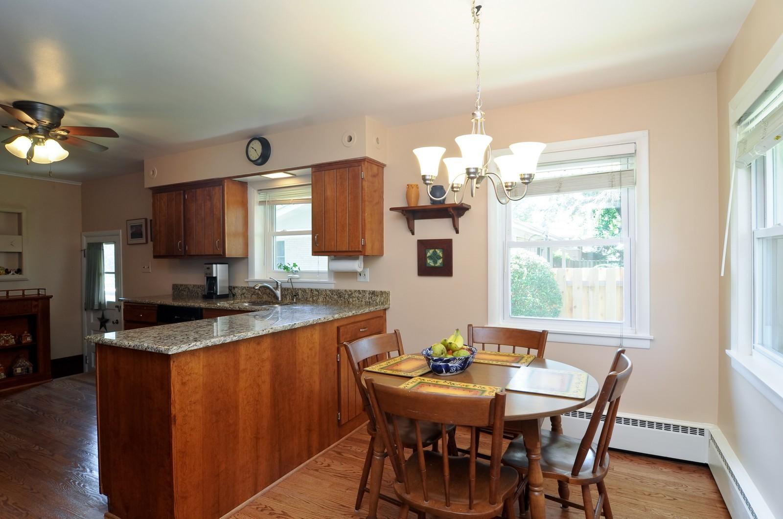 Real Estate Photography - 240 Sharon Dr, Barrington, IL, 60010 - Kitchen / Breakfast Room
