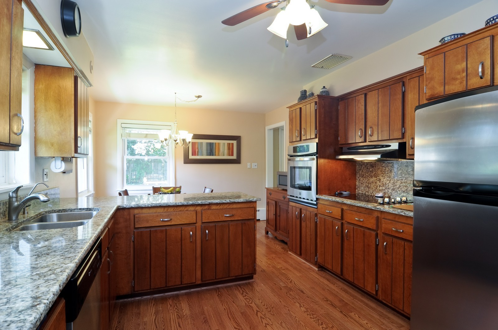Real Estate Photography - 240 Sharon Dr, Barrington, IL, 60010 - Kitchen