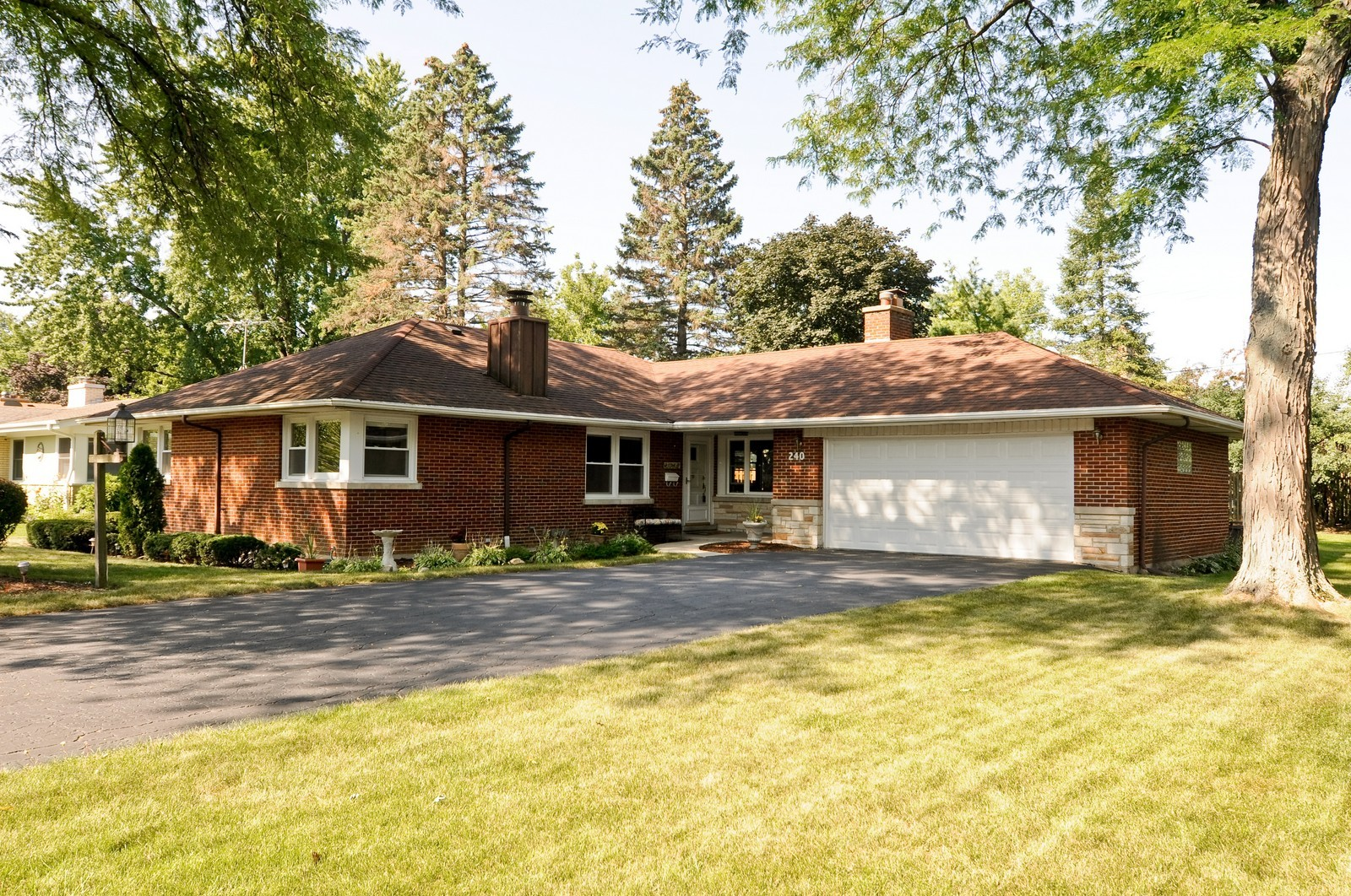 Real Estate Photography - 240 Sharon Dr, Barrington, IL, 60010 - Front View