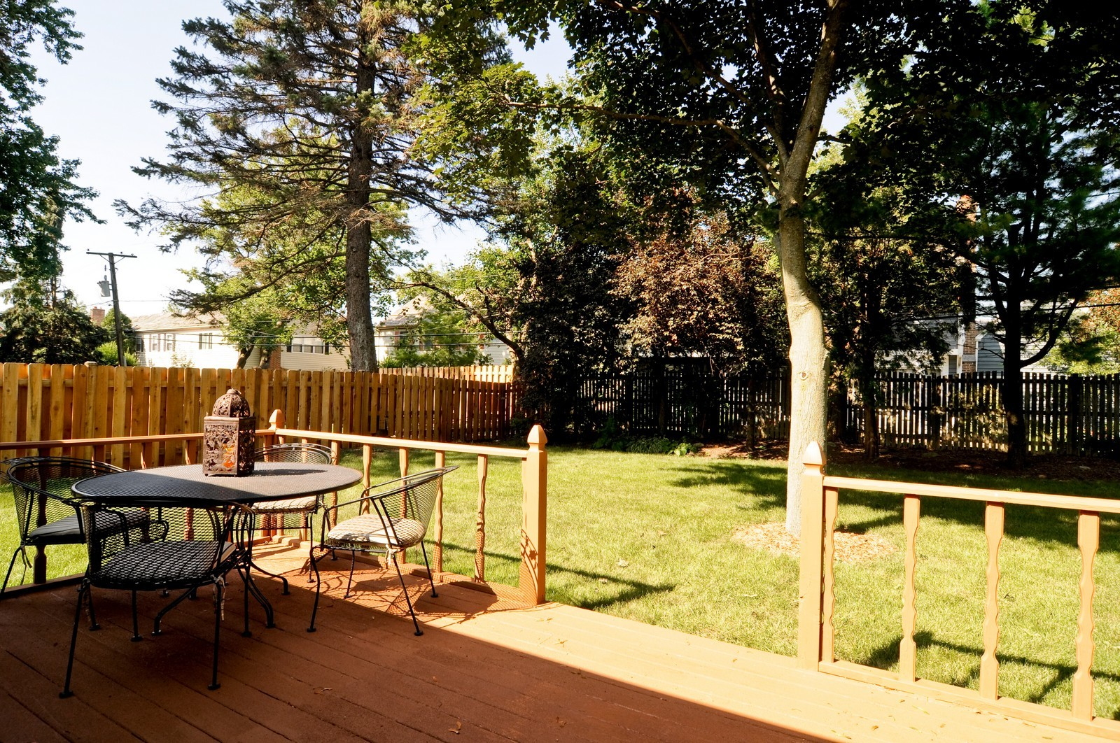 Real Estate Photography - 240 Sharon Dr, Barrington, IL, 60010 - Deck
