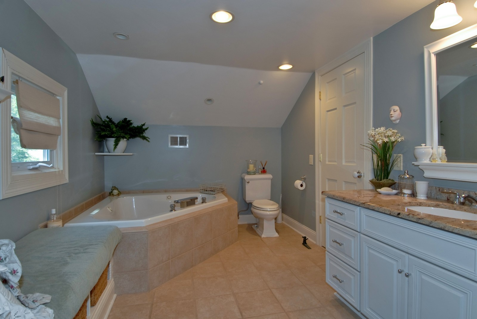 Real Estate Photography - 1031 Pine St, St Charles, IL, 60174 - Master Bathroom