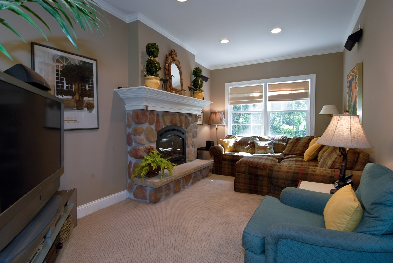 Real Estate Photography - 1031 Pine St, St Charles, IL, 60174 - Family Room
