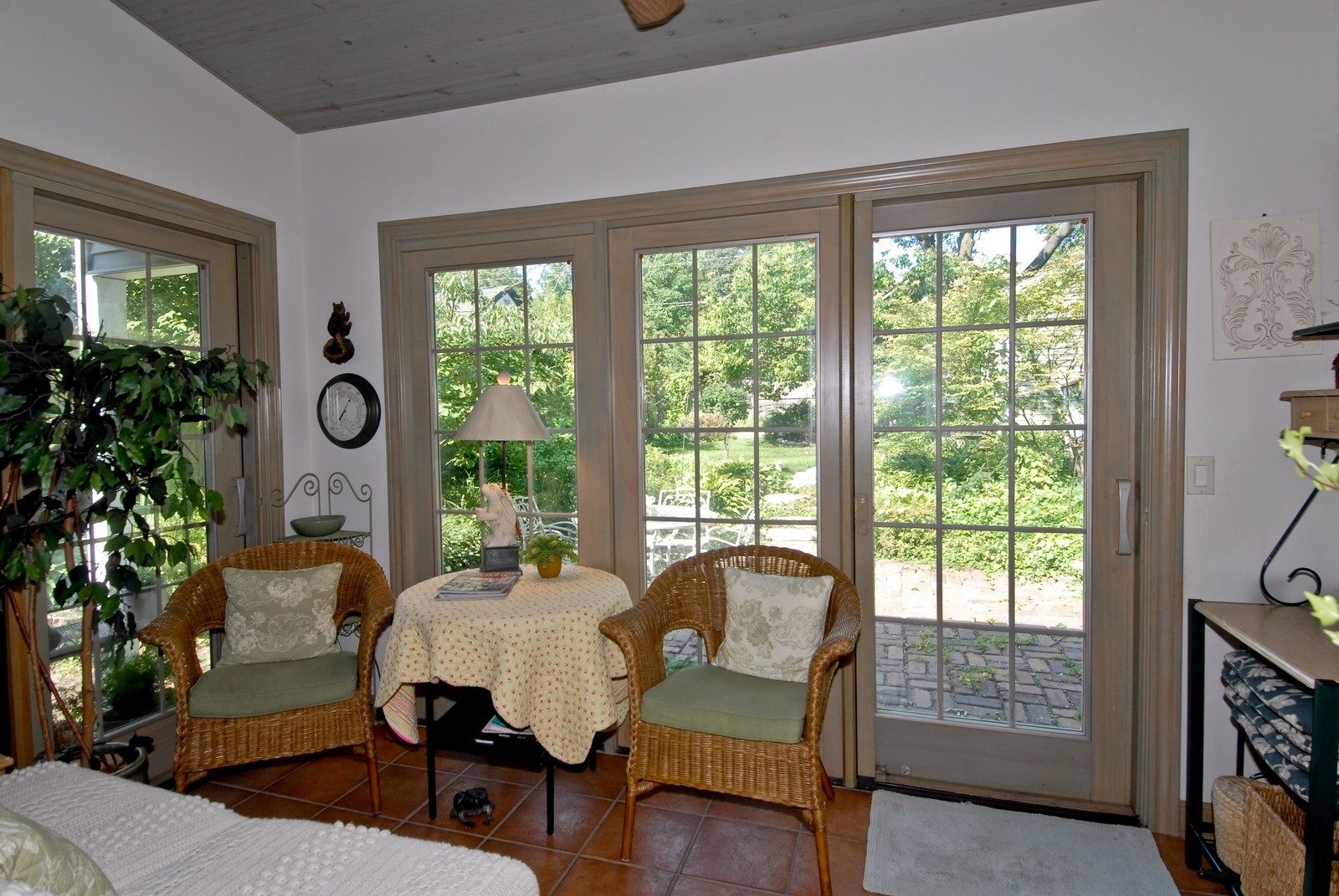 Real Estate Photography - 1031 Pine St, St Charles, IL, 60174 - Sun Room