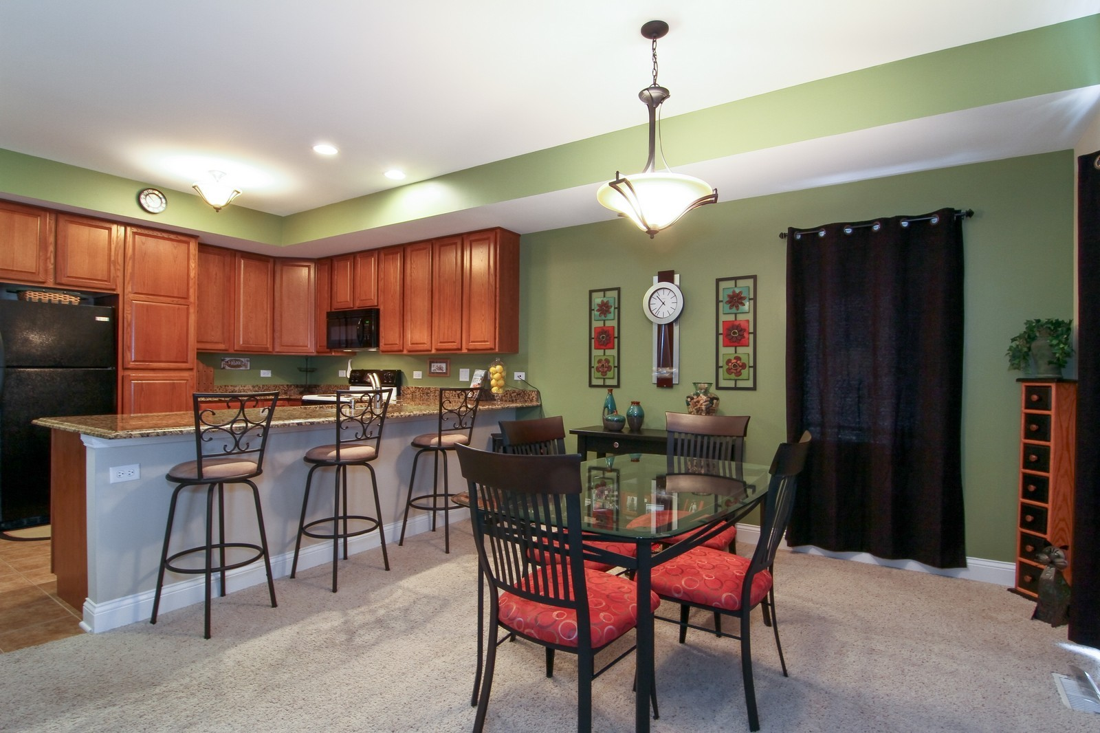 Real Estate Photography - 2215 Maple Hill Ct, Downers Grove, IL, 60515 - Breakfast Area