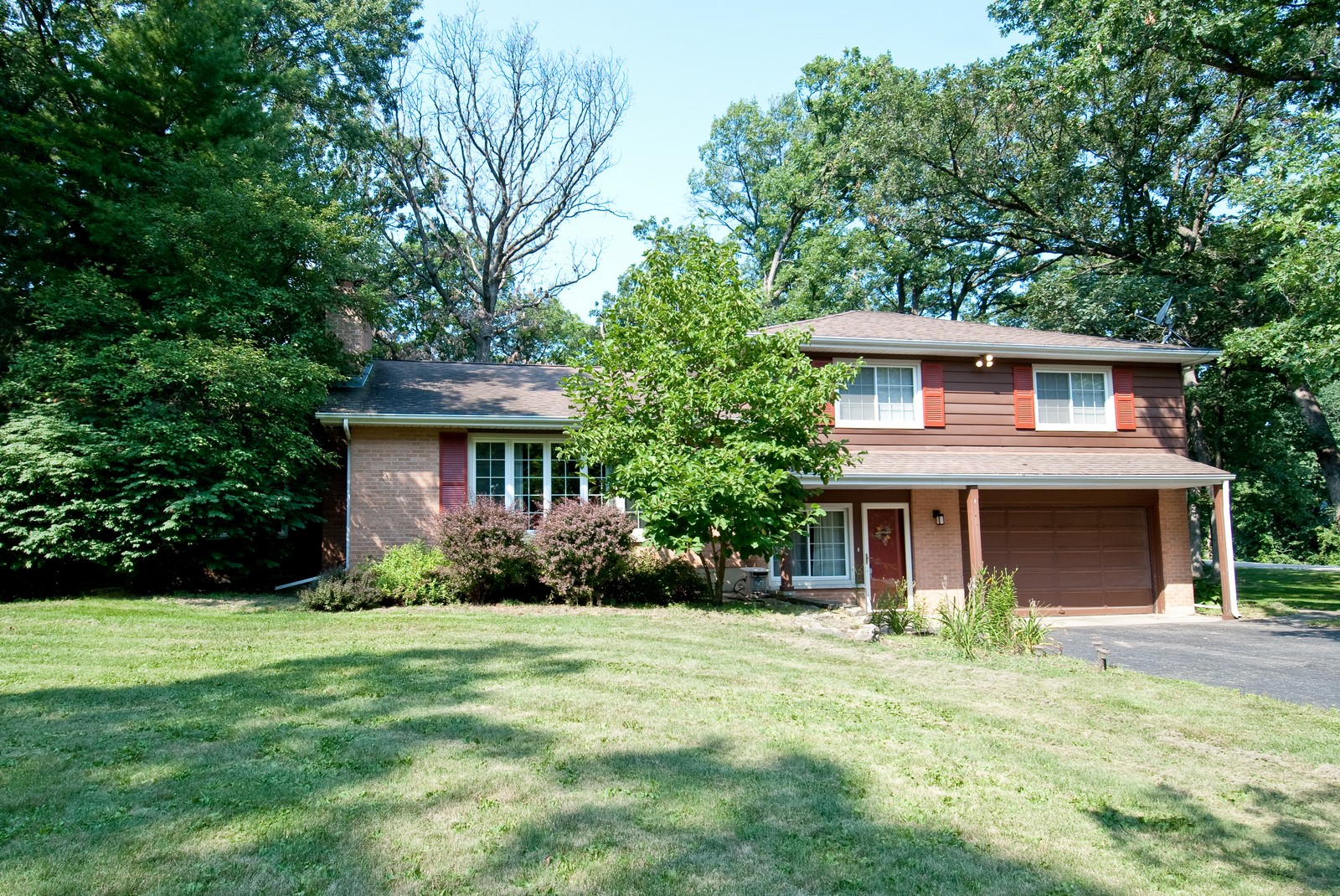 Real Estate Photography - 4603 Wild Cherry Rd, Crystal Lake, IL, 60014 - Front View