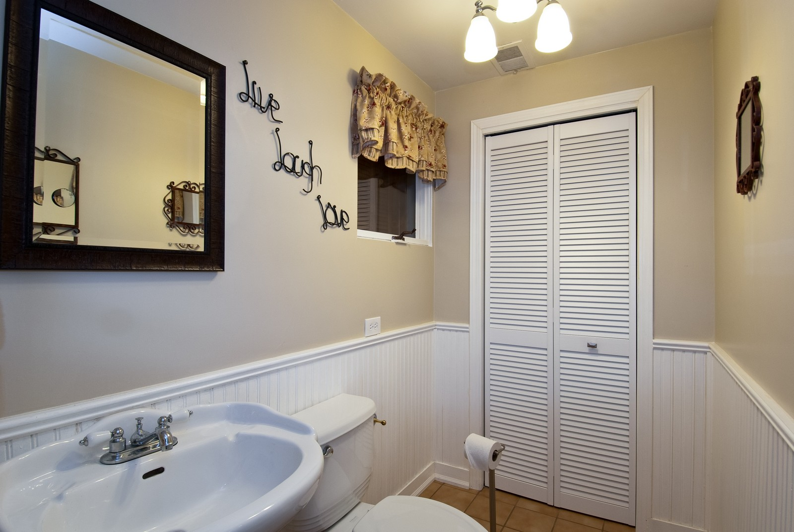 Real Estate Photography - 4603 Wild Cherry Rd, Crystal Lake, IL, 60014 - Bathroom