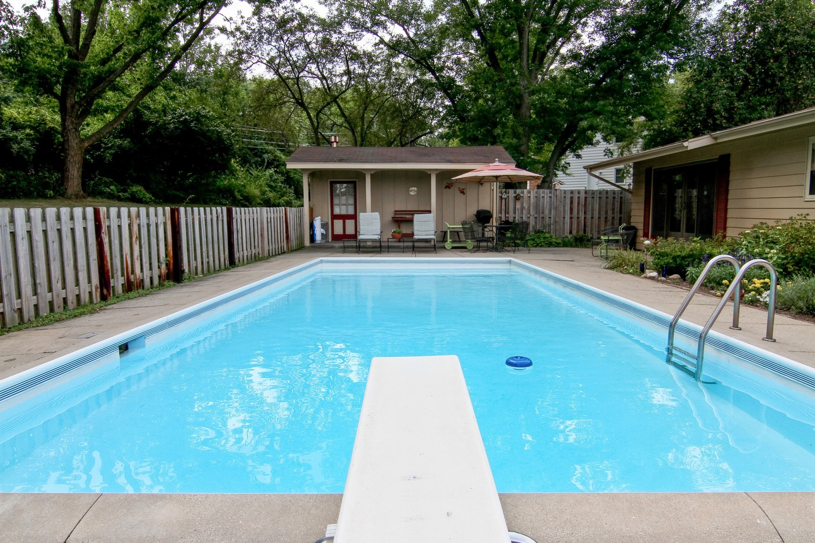 Real Estate Photography - 2639 Vale Ct, Downers Grove, IL, 60516 - Pool
