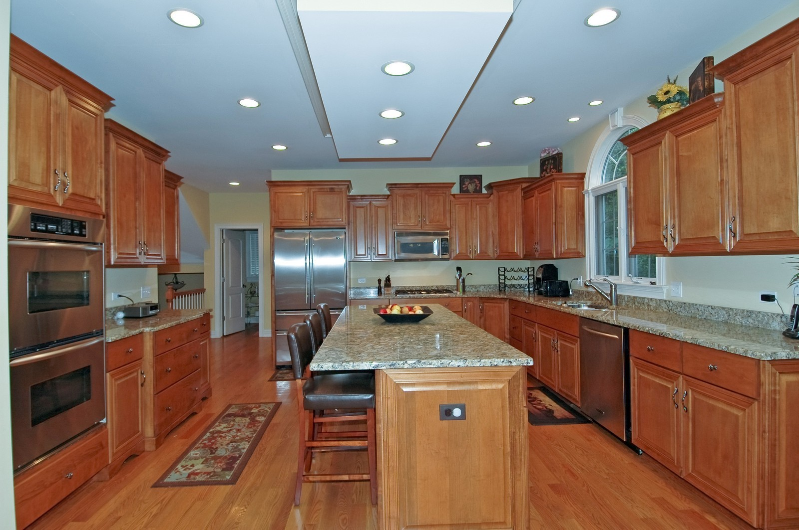 Real Estate Photography - 880 Reserve Ct, South Elgin, IL, 60177 - Kitchen