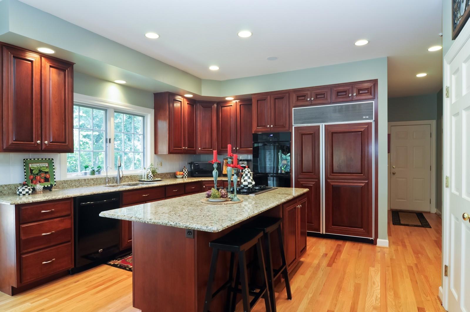 Real Estate Photography - 22822 Glenhurst Rd, Deer Park, IL, 60010 - Kitchen
