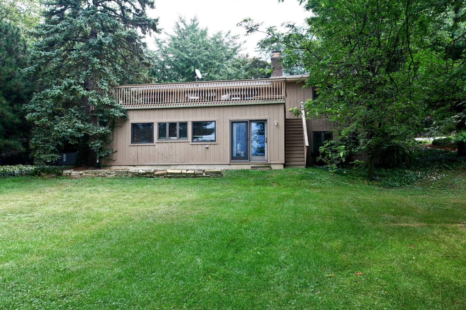 Real Estate Photography - 5332 Riverview Dr, Lisle, IL, 60532 - Rear View