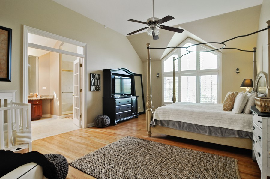 Real Estate Photography - 127 Cranberry Ct, Lake Barrington, IL, 60010 - Master Bedroom