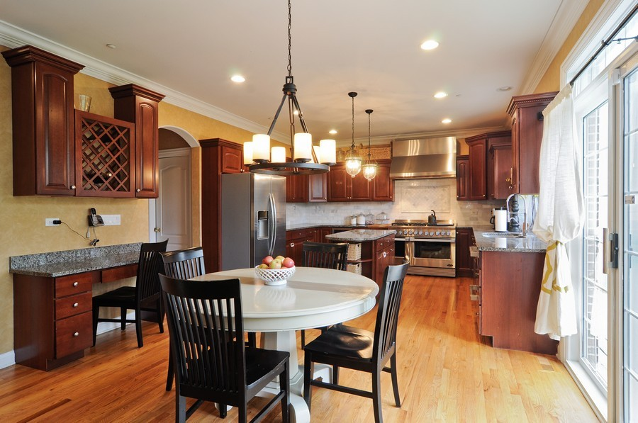 Real Estate Photography - 127 Cranberry Ct, Lake Barrington, IL, 60010 - Kitchen