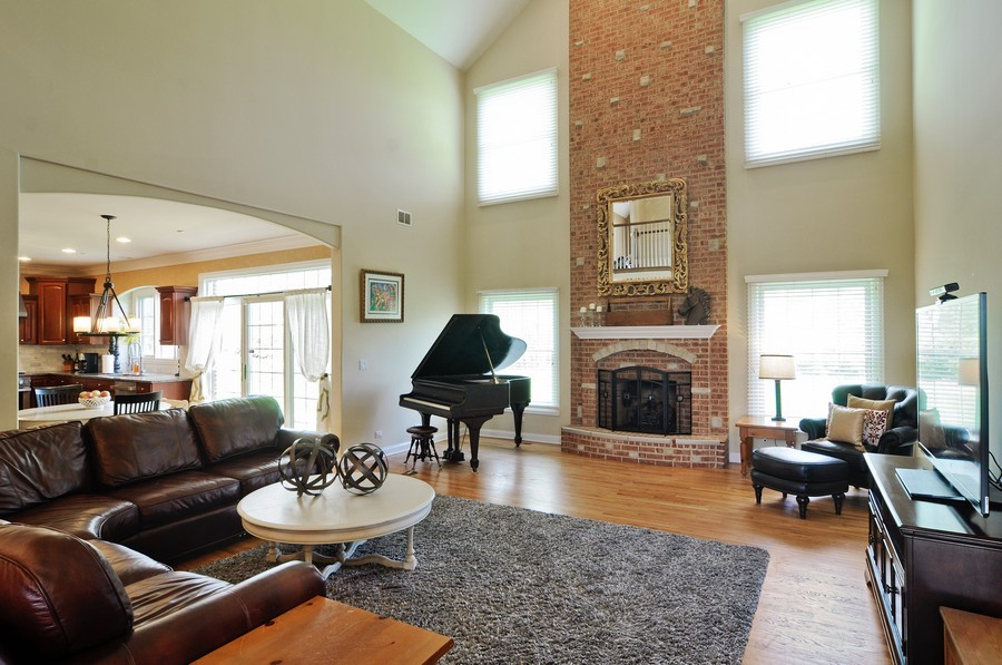 Real Estate Photography - 127 Cranberry Ct, Lake Barrington, IL, 60010 - Great Room