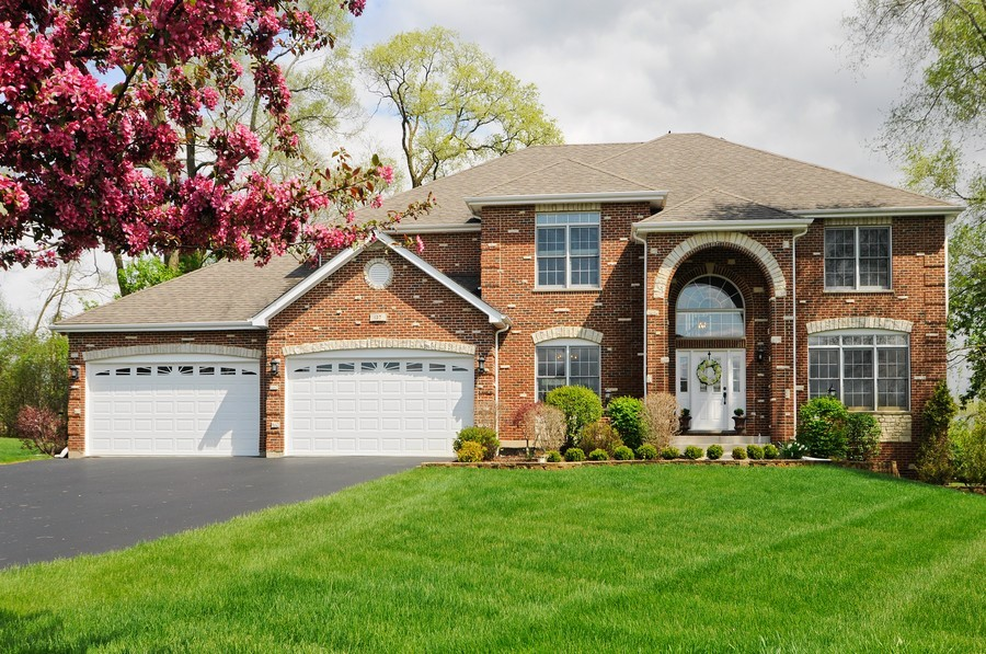 Real Estate Photography - 127 Cranberry Ct, Lake Barrington, IL, 60010 - Front View