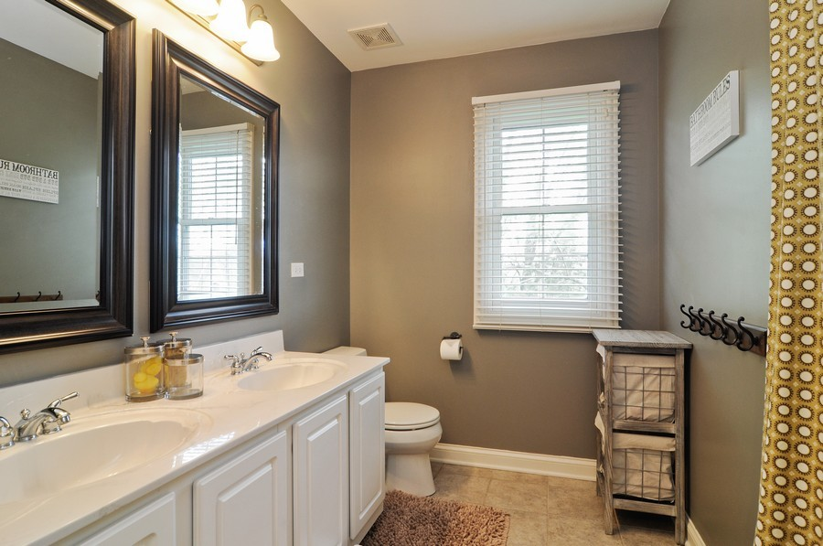 Real Estate Photography - 127 Cranberry Ct, Lake Barrington, IL, 60010 - 2nd Bathroom