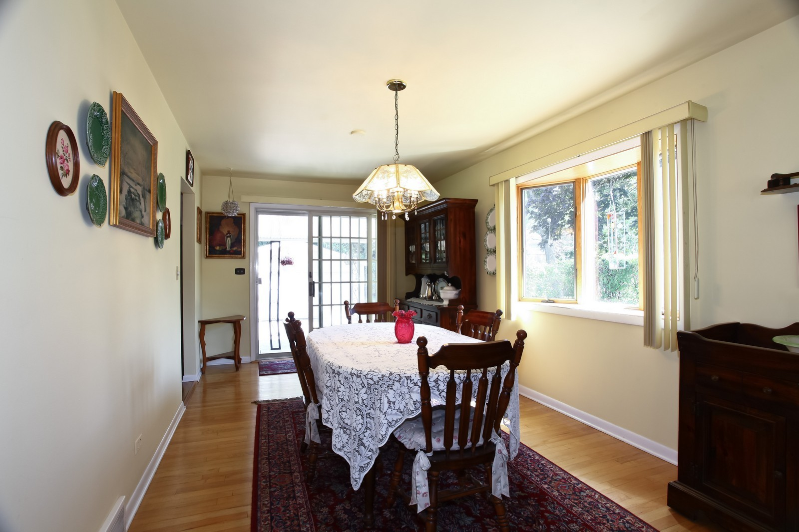Real Estate Photography - 3949 Main ST, DOWNERS GROVE, IL, 60515 - Dining Room