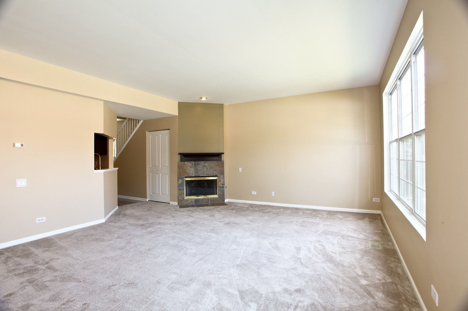 Real Estate Photography - 114 Oakton Dr, Lombard, IL, 60148 - Living Room