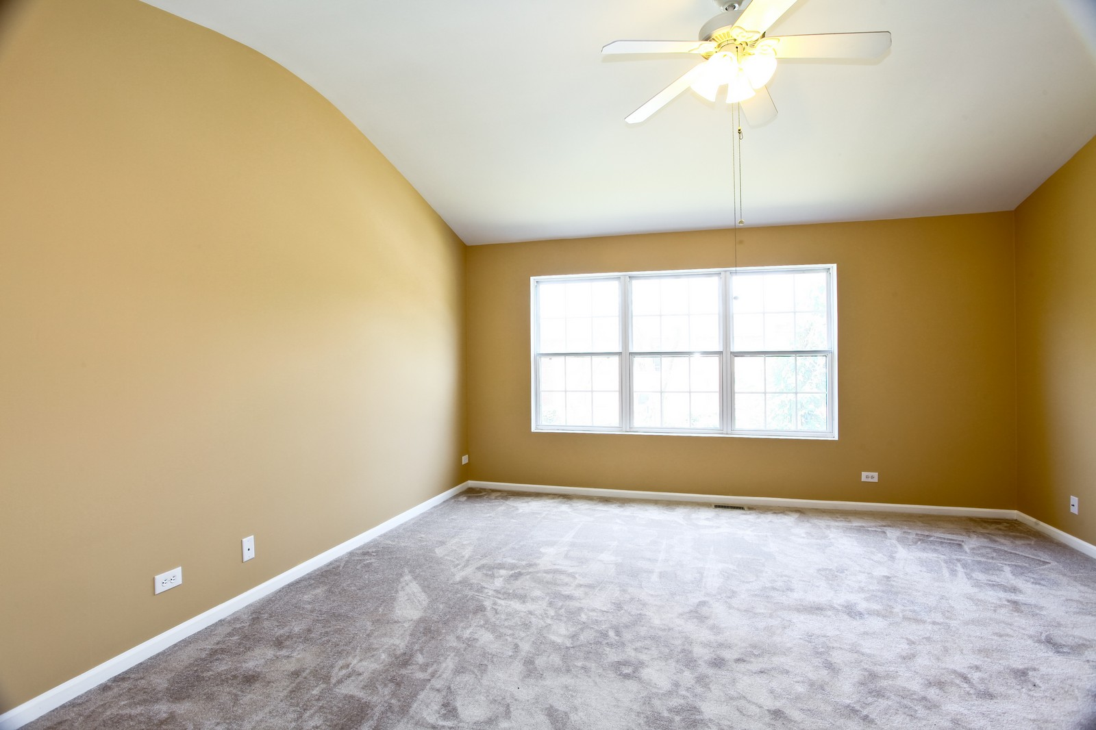 Real Estate Photography - 114 Oakton Dr, Lombard, IL, 60148 - Master Bedroom