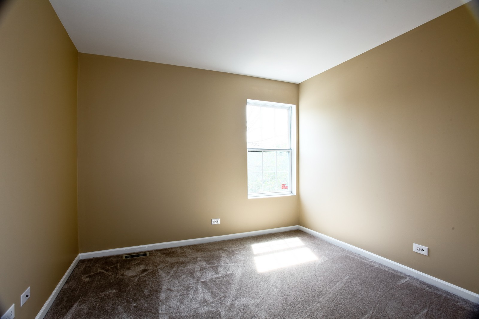 Real Estate Photography - 114 Oakton Dr, Lombard, IL, 60148 - 2nd Bedroom
