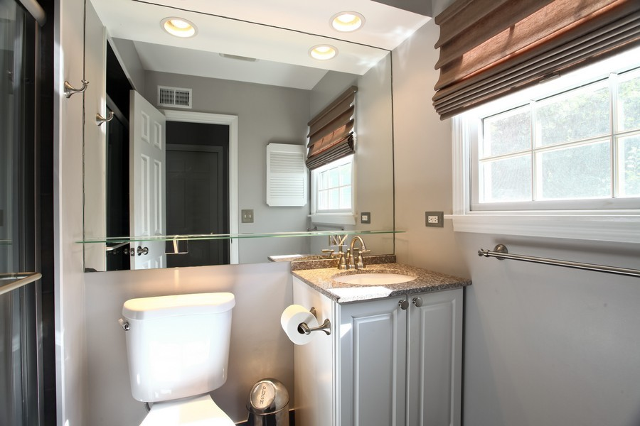 Real Estate Photography - 1525 Almond Ct, DOWNERS GROVE, IL, 60515 - Master Bathroom