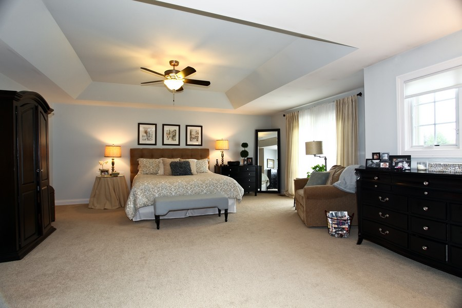 Real Estate Photography - 22W411 Crimson King LN, GLEN ELLYN, IL, 60137 - Master Bedroom