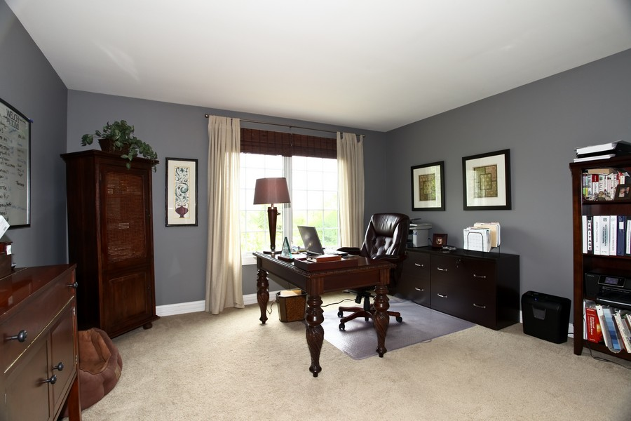 Real Estate Photography - 22W411 Crimson King LN, GLEN ELLYN, IL, 60137 - 2nd Bedroom
