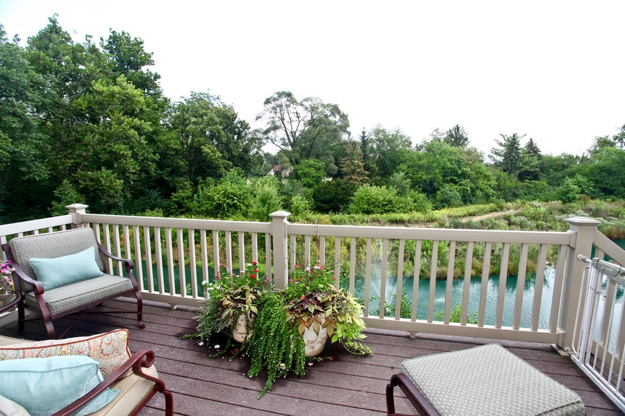 Real Estate Photography - 22W411 Crimson King LN, GLEN ELLYN, IL, 60137 - Deck