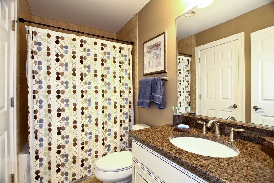 Real Estate Photography - 22W411 Crimson King LN, GLEN ELLYN, IL, 60137 - Bathroom