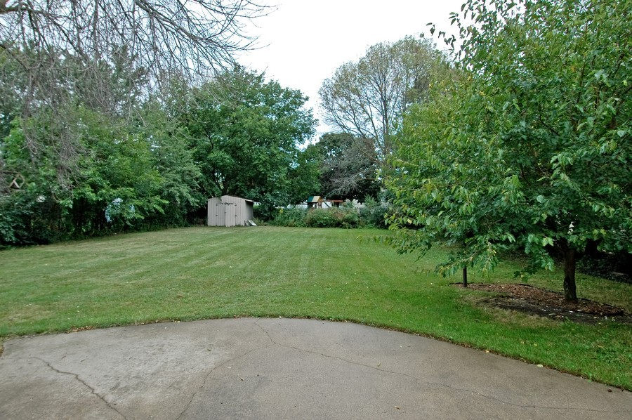 Real Estate Photography - 1013 Sheffield DR, CRYSTAL LAKE, IL, 60014 - Back Yard