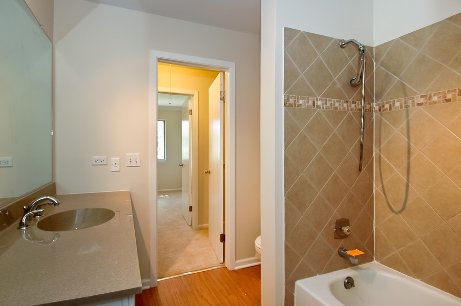 Real Estate Photography - 65 Willow CIR, CARY, IL, 60013 - Bathroom