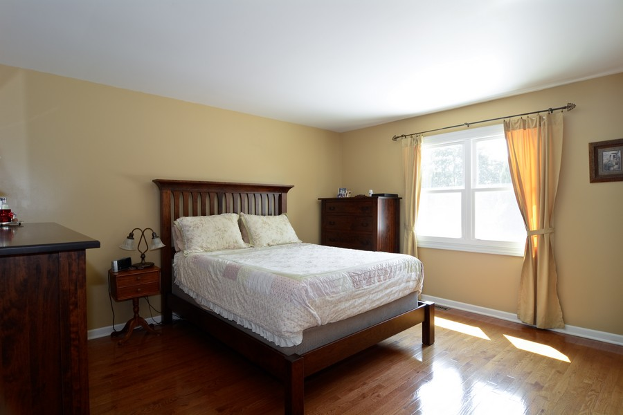 Real Estate Photography - 315 Hempstead LN, BLOOMINGDALE, IL, 60108 - Master Bedroom