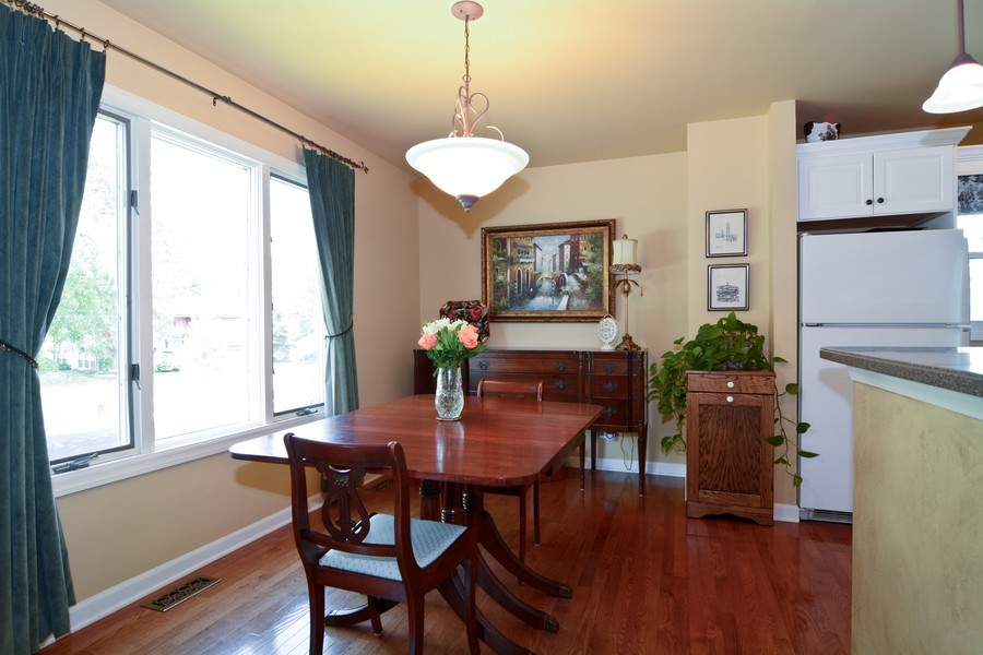Real Estate Photography - 315 Hempstead LN, BLOOMINGDALE, IL, 60108 - Dining Room