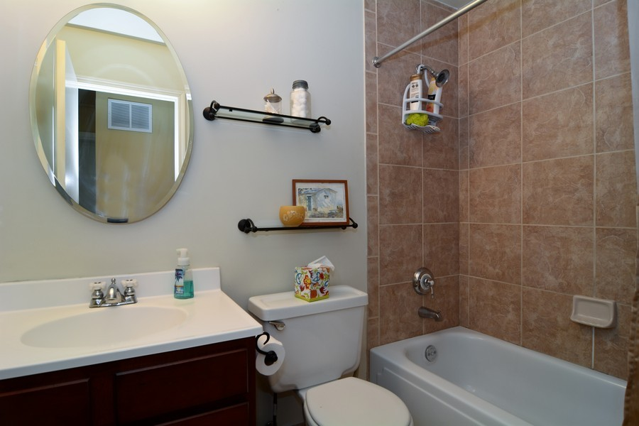 Real Estate Photography - 315 Hempstead LN, BLOOMINGDALE, IL, 60108 - 2nd Bathroom