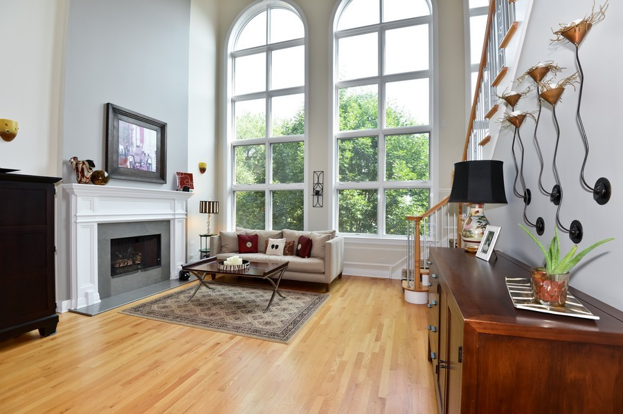 Real Estate Photography - 2512 North Racine Ave, D, CHICAGO, IL, 60614 - Living Room