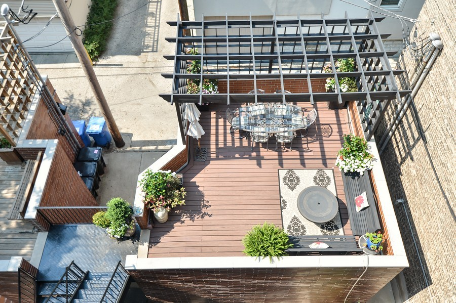 Real Estate Photography - 2512 North Racine Ave, D, CHICAGO, IL, 60614 - Roof Deck