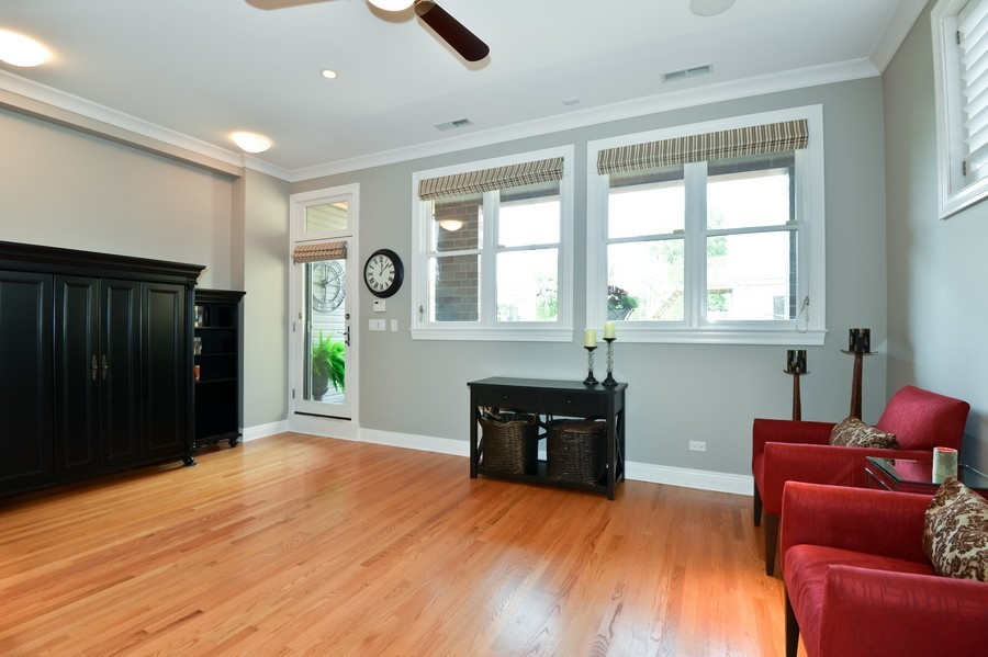 Real Estate Photography - 2512 North Racine Ave, D, CHICAGO, IL, 60614 - Family Room