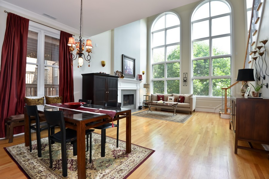 Real Estate Photography - 2512 North Racine Ave, D, CHICAGO, IL, 60614 - Living Room / Dining Room