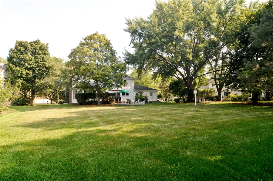 Real Estate Photography - 1215 Meadow Way, BARRINGTON, IL, 60010 - Back Yard
