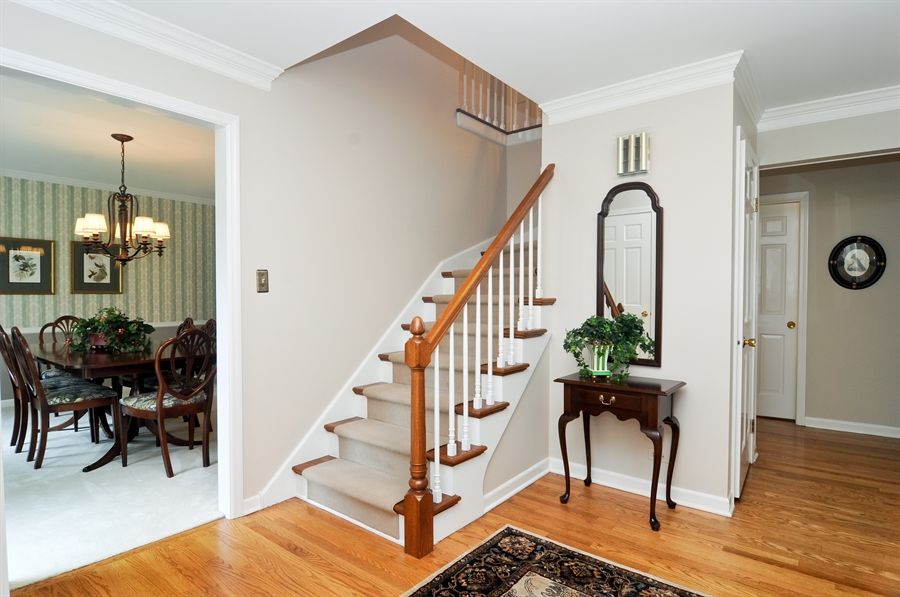 Real Estate Photography - 1215 Meadow Way, BARRINGTON, IL, 60010 - Foyer