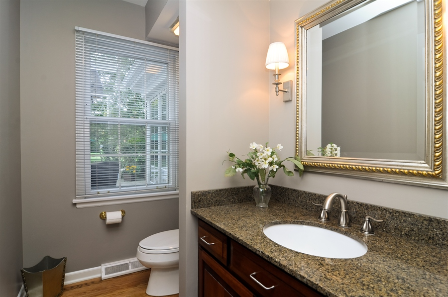 Real Estate Photography - 1215 Meadow Way, BARRINGTON, IL, 60010 - Half Bath