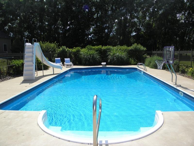 Real Estate Photography - 6105 Raintree, Crystal Lake, IL, 60014 - Location 1