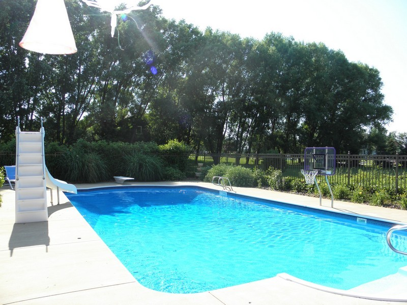 Real Estate Photography - 6105 Raintree, Crystal Lake, IL, 60014 - Pool