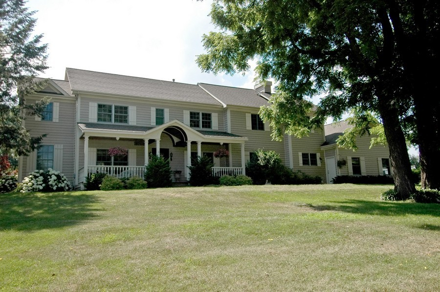 Real Estate Photography - 6105 Raintree, Crystal Lake, IL, 60014 - Front View