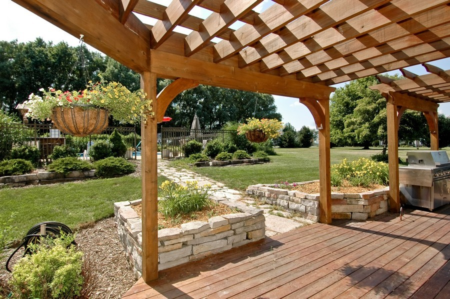 Real Estate Photography - 6105 Raintree, Crystal Lake, IL, 60014 - Patio
