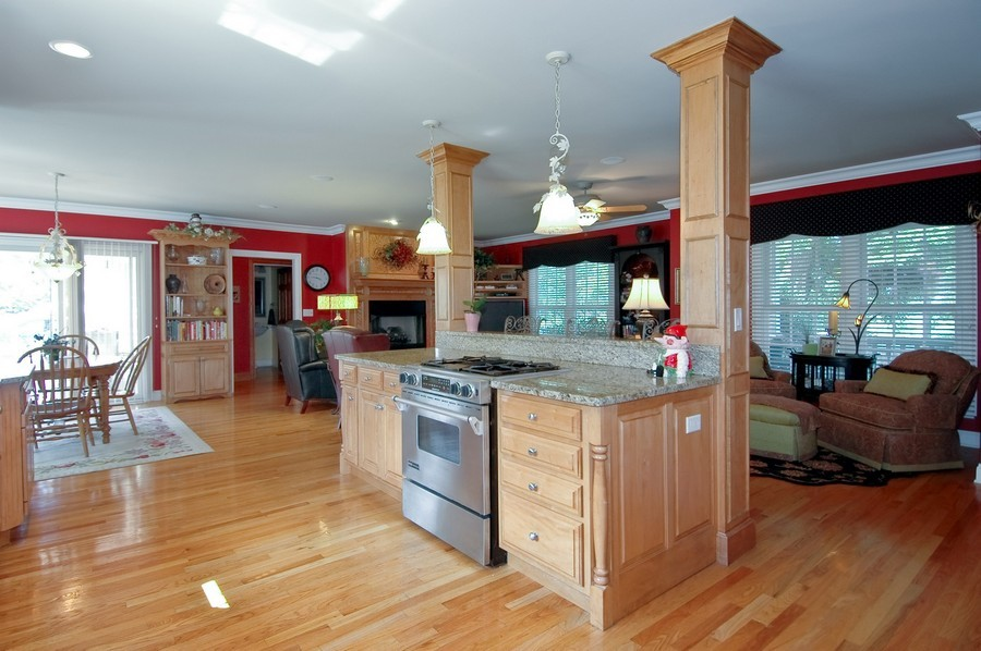 Real Estate Photography - 6105 Raintree, Crystal Lake, IL, 60014 - Family Room / Kitchen