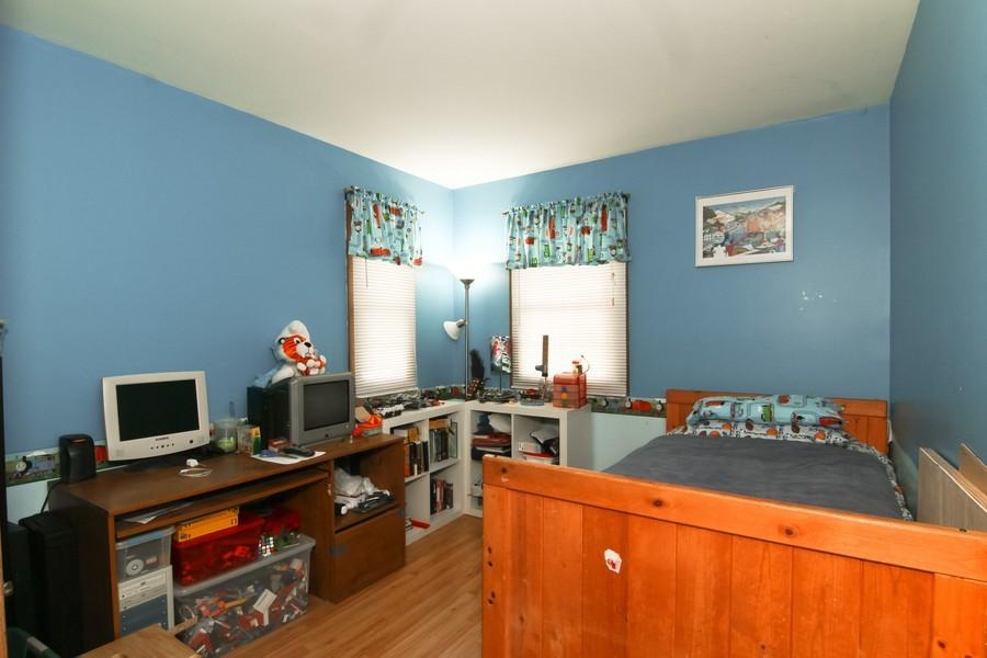 Real Estate Photography - 2725 Meadowdale Ln, WOODRIDGE, IL, 60517 - Bedroom
