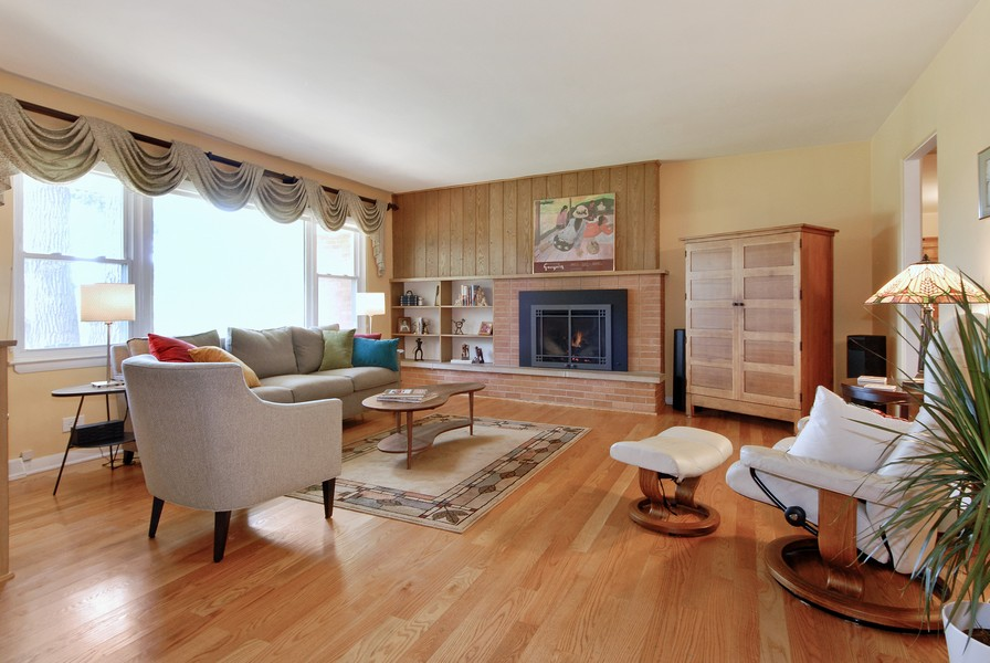 Real Estate Photography - 5149 Riverview DR, LISLE, IL, 60532 - Living Room